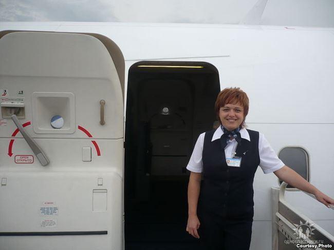 Стриптиз стюардессы полет из парижа в лондон