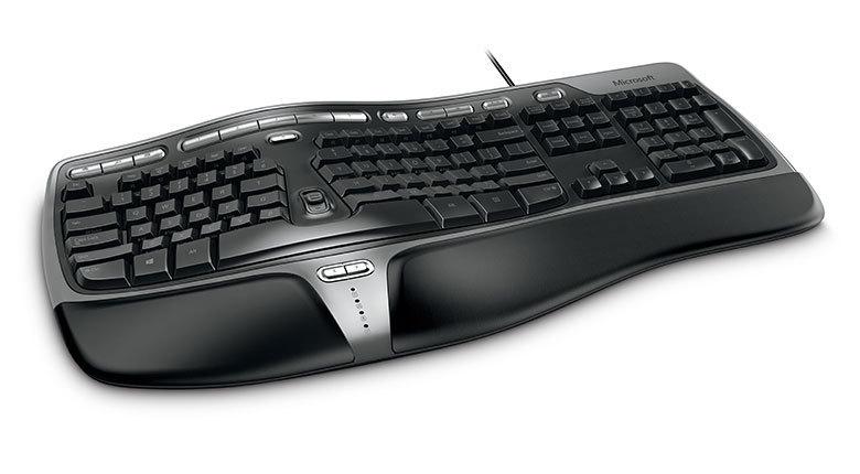 Сиськи до клавиатуры, девушки в беленьких трусиках порно
