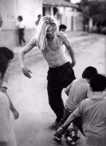 Бред Питт для журнала Rolling Stone, 1994 год Брэд Питт, Красота, Девушкам, Мужчины, Длиннопост