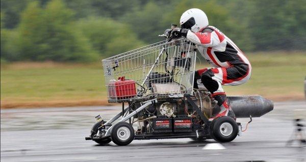 Мировой рекорд скорости на тележке из супермаркета Рекорд, Супермаркет, Тележка, Скорость