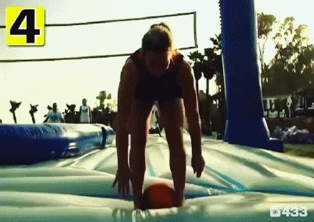 Веселуха какая! Лето, Волейбол, Батут, Футбол, гифка