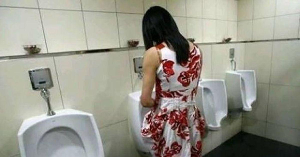 Женщины писают стоя Женский общественный туалет и туалеты