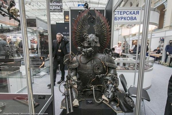 Доспех победителя Ктулху на международной выставке Arms & Hunting 2016.
