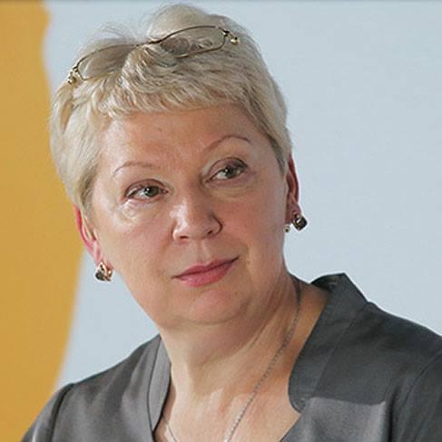 По итогам первого месяца работы новый Министр образования Ольга Васильева вошла в тройку лидеров Политика, Министр образования, Ольга Васильева
