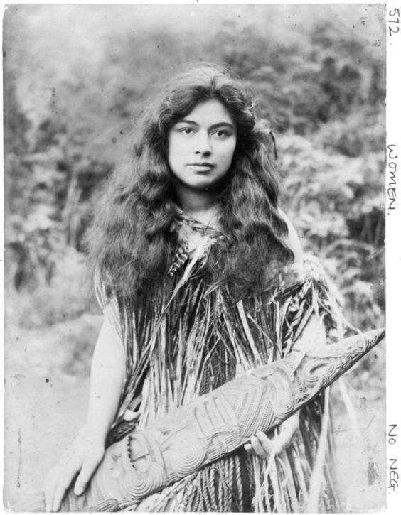 Маори. Женщины Маори, Новая зеландия, Лицо, Длиннопост