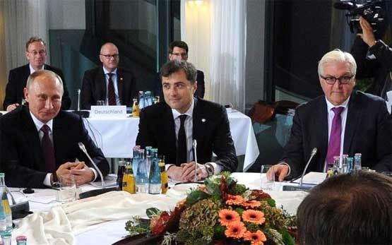 Вся суть антироссийских санкций ЕС в одном фото Суркова на переговорах Сурков, санкции, Фото, переговоры, нормандская четверка, Штайнмайер, Политика