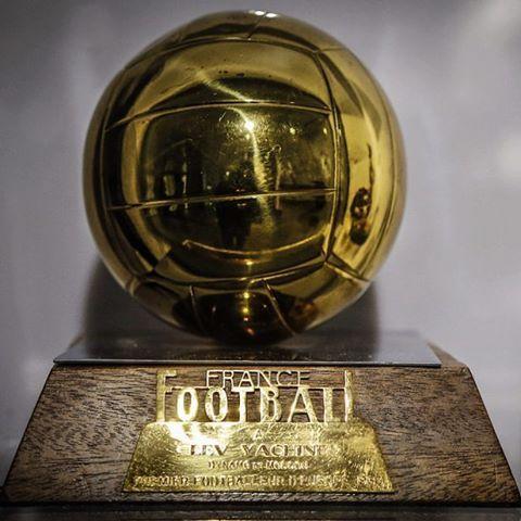 Картинки по запросу фото Лев Яшин и золотой мяч