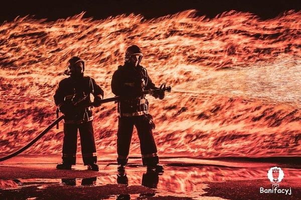 Пожарные для проекта In Flamma Ignis Беларусь, Гродно, огонь, пои, ночь, МЧС, пожарные