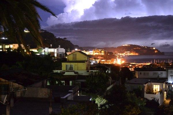 Гроза над островом Искья, Италия. Гроза, Фото, Италия, Молния