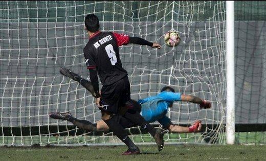 В Хорватии арбитр отменил чистый гол, не поверив в дыру в сетке Футбол, Видео, Арбитр, Ошибка