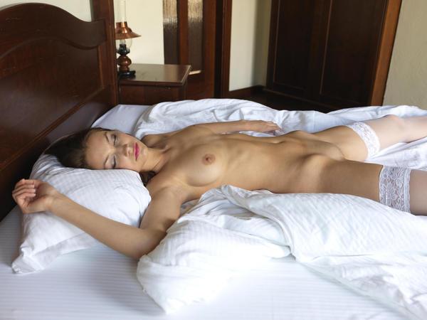 Фото в постели голые