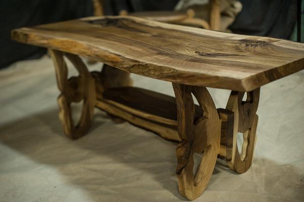 картинках стол из дерева в