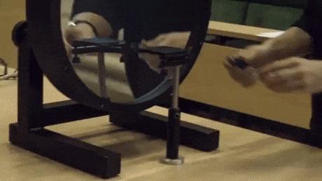 Визуализация потока воздуха шлирен-методом