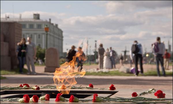 Зачем он горит. К 59-летию первого Вечного огня Чтобы помнили, Вечный огонь, Маосово поле, 1957, Длиннопост