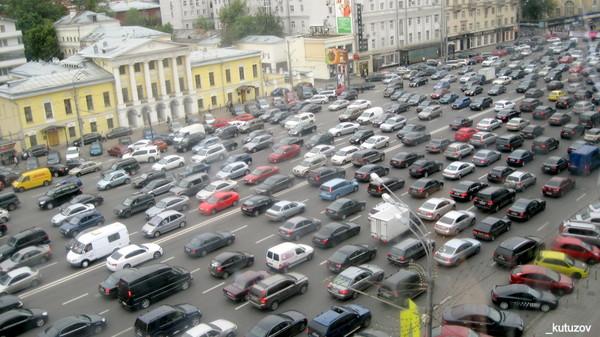 Правительство РФ согласилось с идеей установки отслеживающих устройств в автомобили Авто, Слежка, Правительство, Глонасс, Следящее устройство, Новости