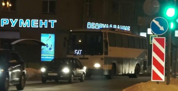 Я-толстый.. Автобус, Самокритика, Зима
