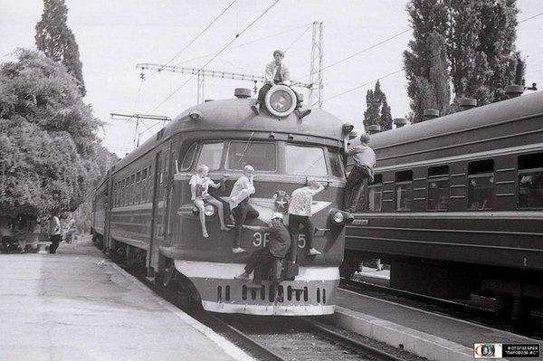 Первые зацеперы.. Зацеперы, Поезд, Подростки