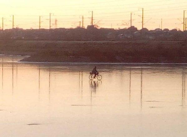 Когда маг холода решил сократить путь через реку