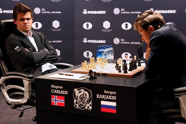 Карлсен и Карякин не выявили победителя в классических партиях матча за титул чемпиона мира Шахматы, Бой за звание чемпиона мира, Карлсен, Карякин