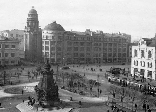 Есть что сравнить. Ильинские ворота Китайгородской стены в 1927 и 1937 Фото, Москва, История
