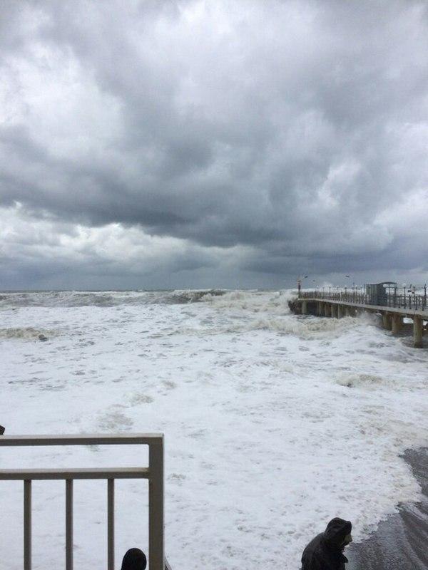 Сочи вчера Сочи, Ураган, Море, Волна, Пена, Ветер, Стиль воды, Длиннопост