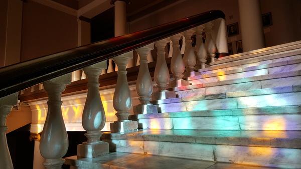 Прозрачные витражи витраж, лестница, моё, свет, ступеньки, нгу