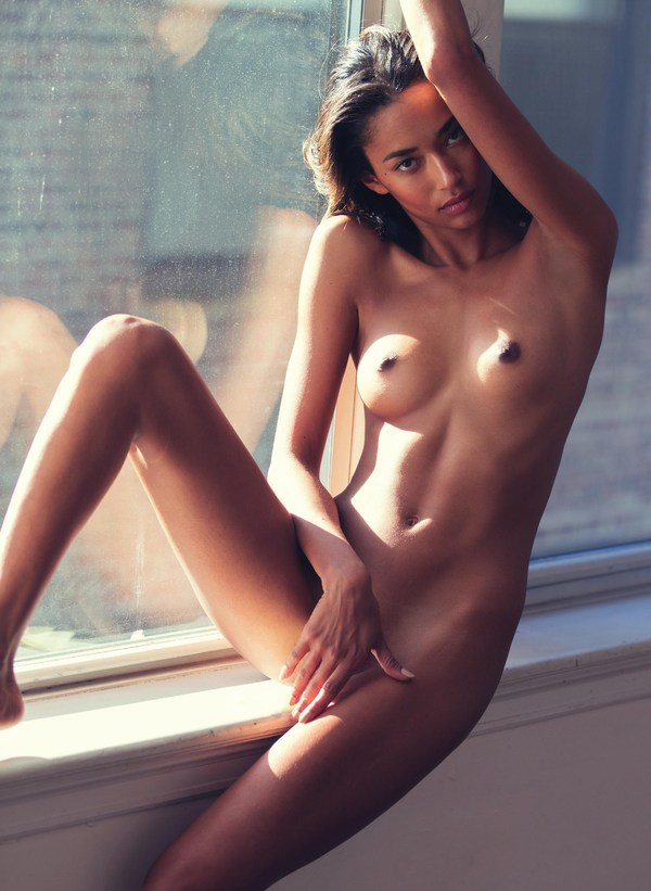 фото голой барбары палвин
