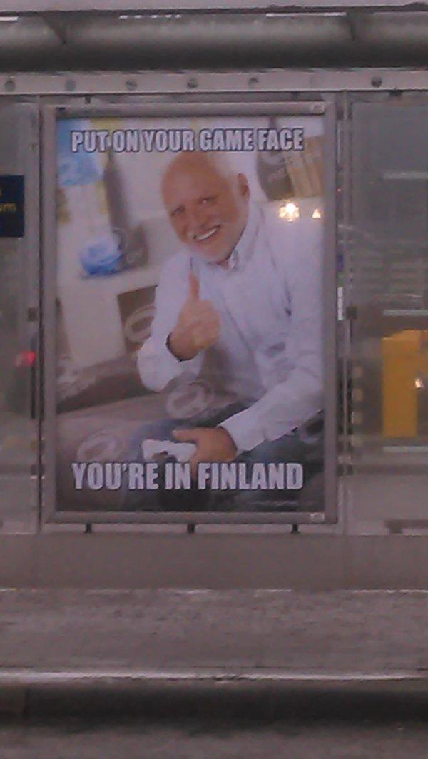 Остановка на выходе из аэропорта Хельсинки. Гарольд, Хельсинки, баннер