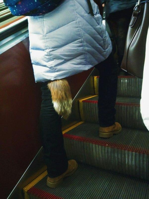 Когда внутренний мир не дает тебе расслабиться в метро...
