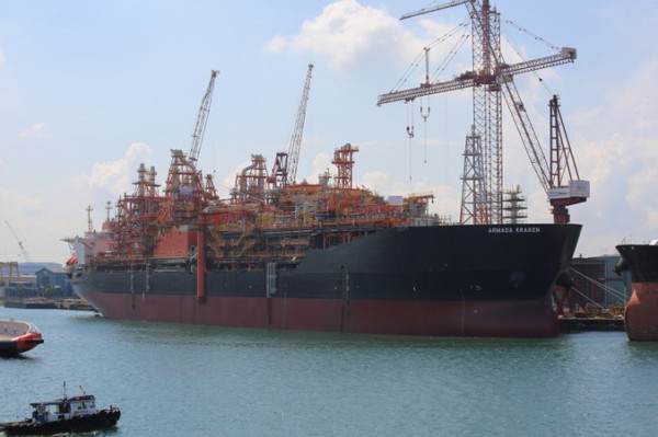 Сингапурский танкер заплатил рекордную в истории Суэцкого канала пошлину судно, танкер, Суэцкий канал, пошлина, море