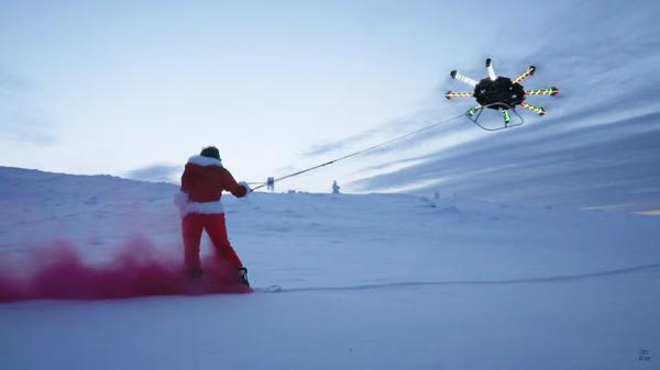 Блогер на сноуборде гоняет за дроном Сноуборд, Дрон, Дичь