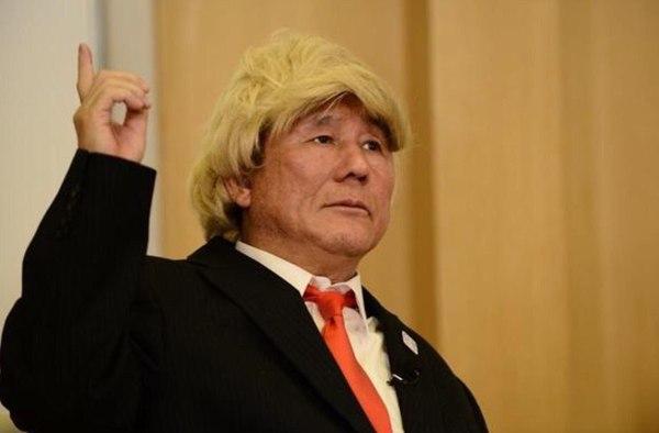Такеши Китано нарядился Дональдом Трампом для встречи с губернатором Токио США, Япония, Президент, Дональд Трамп, Такеши Китано
