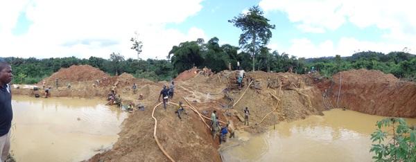Как золото в Африке добывают. Золото, Африка, Добыча, Карьер, Грязь, Работа, Работа мечты, Длиннопост