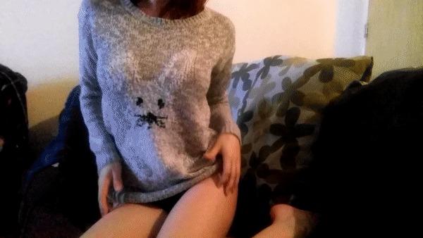 Трусах секс сиськи через свитер фото