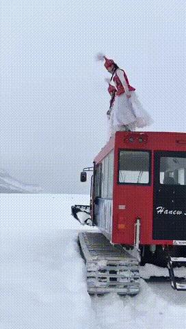 Прыжок в сугроб