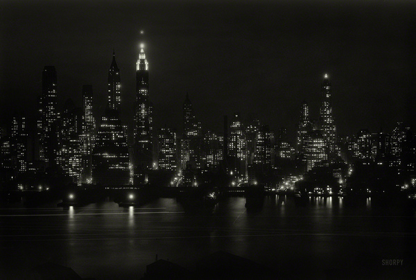 Ночной Манхэттен 83 года назад фото, черно-белое, Нью-Йорк, Манхэттен, ретро, ночь, С просторов, этому городу нужен герой
