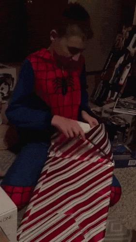 Муэик ебет мальчика видео