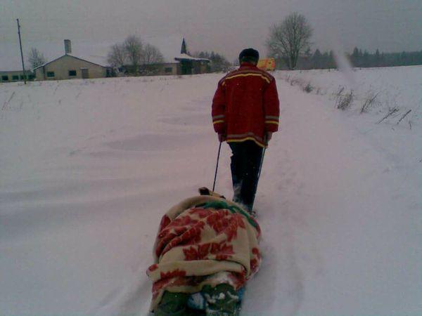 Работники скорой помощи... скорая помощь, Латвия, добросовестный работник, Снег