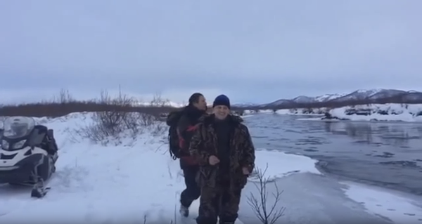 Переправа на снегоходе через реку снегоход, река, переправа, Видео