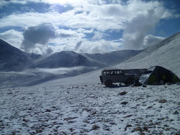 Тучи разошлись не надолго Памир, восточный, Снег, погода радует, солнце
