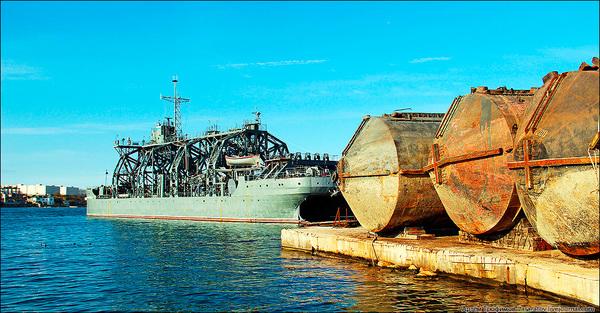 Один из уникальнейших кораблей Черноморского Флота России Корабль, Черноморский Флот России, коммуна, ремонт подводных лодок, Севастополь, 100 лет, длиннопост