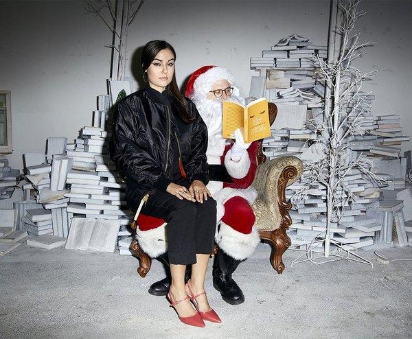 Санта знает адреса всех плохих девочек...