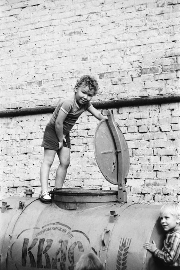 Мальчик и бочка с квасом, 1980–е годы, Ижевск Мальчиш-Плохиш, Квас, Шпана