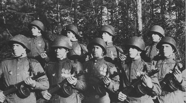Кавалеры ордена Славы — военнослужащие роты автоматчиков 196-го гвардейского стрелкового полка 1944, Автомат, Награждение, Чтобы помнили
