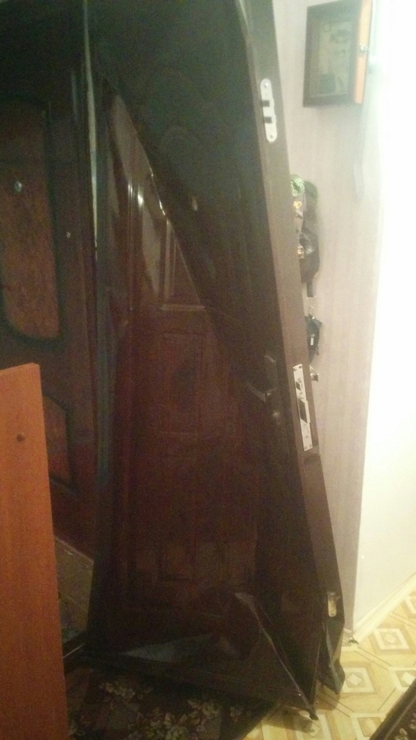 Китайская дверь vs Алкогольный шкаф Дверь, Соседи, Пьянство, Демонтаж, Не виноват, Фото, Текст, Длиннопост