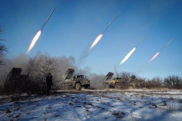 Ополченцы ДНР нанесли залповый удар реактивными снарядами по украинским карателям ДНР, Ополчение, Каратели, Ответ, Политика, Украина