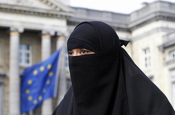 Австрия присоединится к странам, запретившим ношение бурки Ислам, Бурки, Австрия, Никаб, Запрет