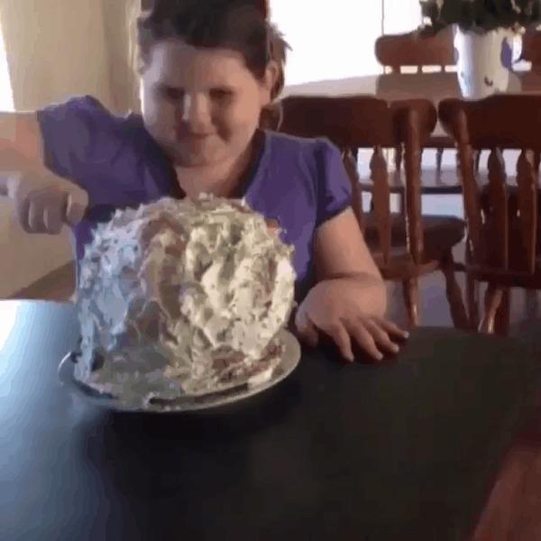 С днем рождения! Вот твой торт