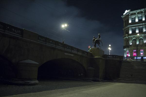 Ночь у Аничкова моста