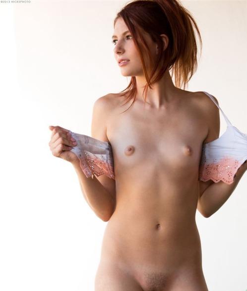 Фото голых плоских телок